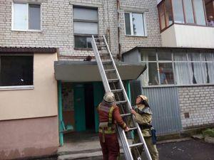На Кіровоградщині з вікна п'ятиповерхівки випав чоловік (ФОТО)