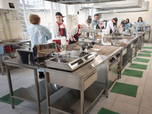 Кропивницький: Відтепер студенти коледжу харчування навчатимуться на сучасній кухні