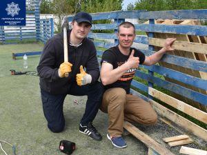 Кропивницькі патрульні відремонтували спортивний майданчик (ФОТО)