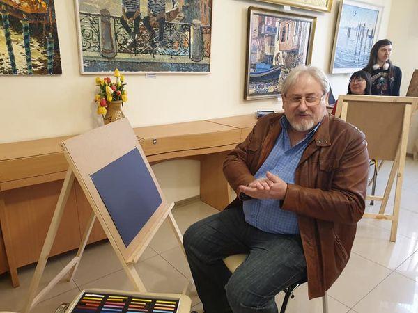Кропивницькі художники вчилися малювати пастеллю (ФОТО, ВІДЕО)