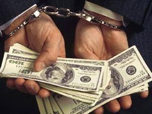 На Кіровоградщині майор поліції вимагав від фермера 10 тисяч доларів
