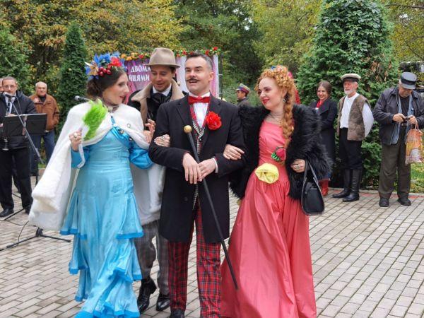 Кіровоградщина: Як пройшло свято театрального мистецтва на Хуторі Надія?