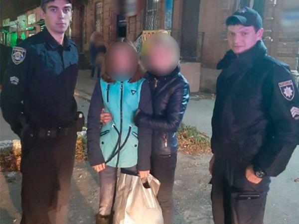 Кіровоградщина: За допомогою поліції дівчина розшукала сестричку, яка заблукала