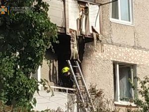 Кіровоградщина: У Олександрії спалахнув балкон у багатоповерхівці
