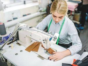 Безробітні Кіровоградщини можуть отримати професію швачки