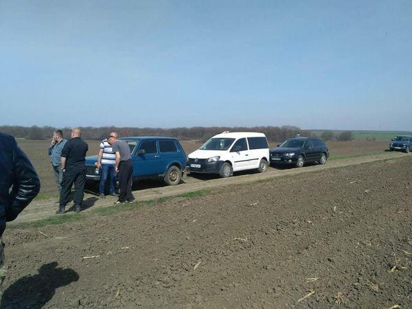 На Новоархангельщині невідомі особи намагаються відібрати землю у місцевої громади