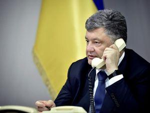 Кропивницький: Петро Порошенко агітує виборців по телефону