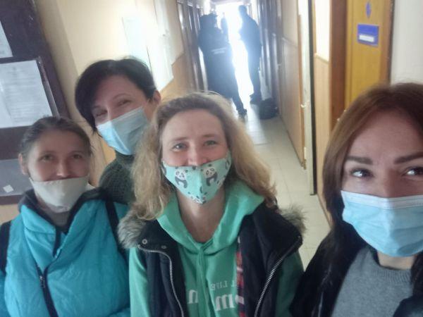 """Кропивницький: """"Зелених"""" активістів не допустили до суду по справі Центрального скверу"""