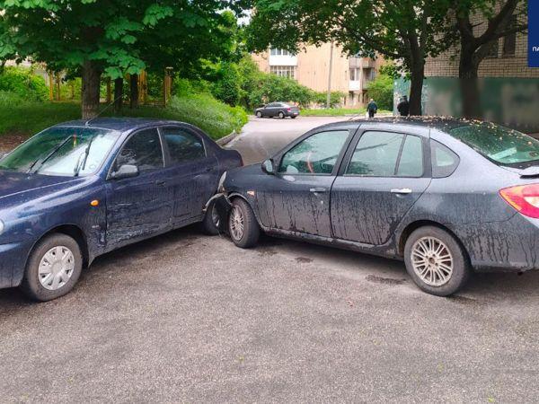 Кропивницький: На Полтавській водійка Renault спричинила аварію