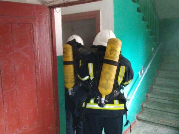 Кропивницький: На Студентському бульварі зайнялося сміття у підвалі будинку