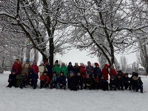 Як на селищі Новому діти розважаються зі снігом (ФОТО)