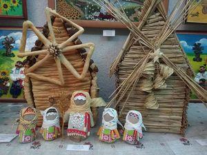 Від вишитого до їстівного: у Кропивницькому відкрилась виставка млинів на будь-який смак (ФОТО)