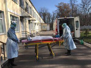 У Кропивницькому лікарі вчилися евакуйовувати хворих на коронавірус (ФОТО, ВІДЕО)