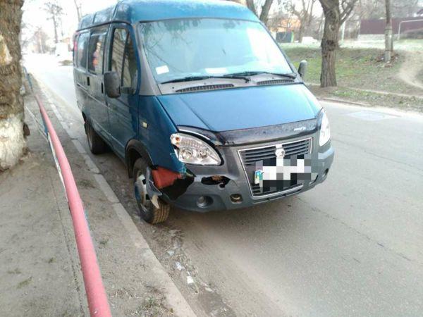 На Ковалівці біля школи № 14 сталася ДТП (ФОТО)