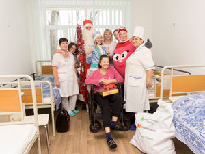Клієнти ПриватБанку 1 січня влаштували свято маленьким пацієнтам