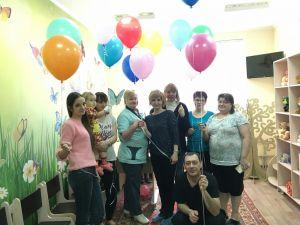 """Кропивницкий: Волонтеры благотворительного фонда """"Ты не один"""" проведали детей в гемоотделении  (ФОТО)"""