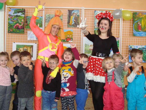 У дитячій бібліотеці до юних читачів завітали казкові герої планети Читалії