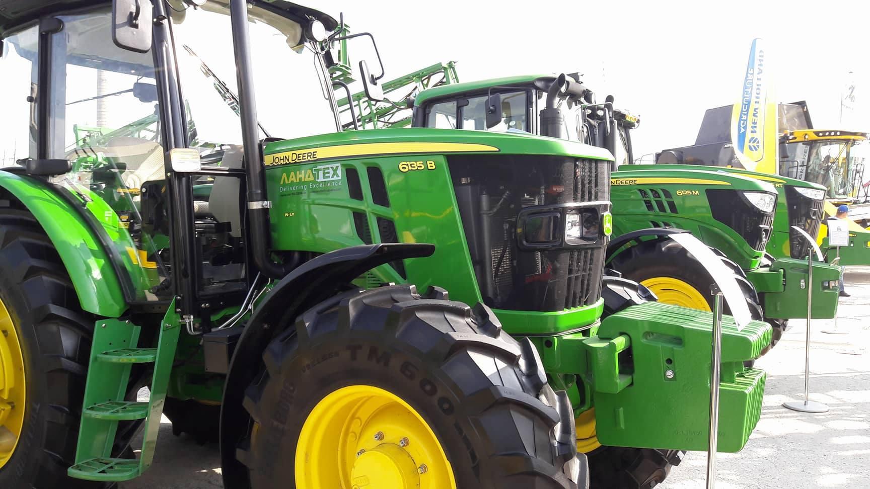 На виставці у Кропивницькому сучасні трактори показують себе у роботі (ВІДЕО)